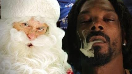 Snoop Stars In Rap Battle – Santa vs Moses